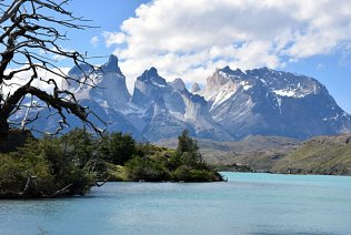 Discover Patagonia on a luxury 4x4 Jeep Safari