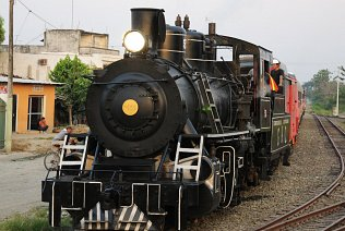 A steam engine hauls the Tren Crucero for parts of the route between Quito and Guayaquil.