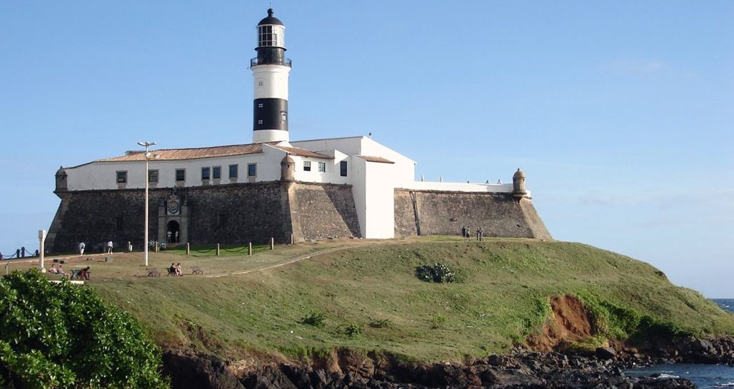 The Lighthouse, Farol