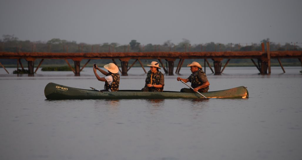 Caiman Ecological Reserve - Sunset canoeing