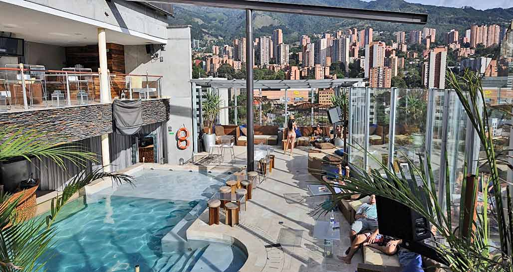 The Charlee, Medellin, rooftop pool