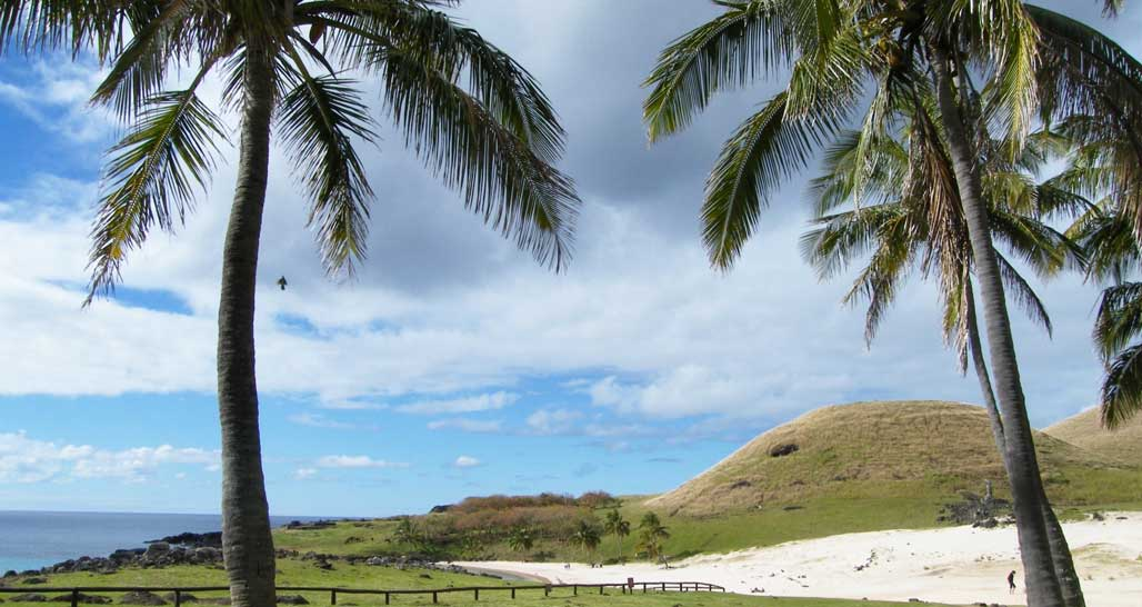 Anakena Beach, Easter Island, Chille