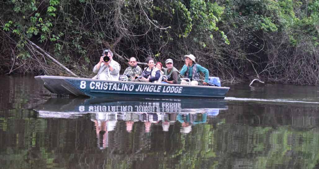 Cristalino Lodge - wildlife spotting from boat