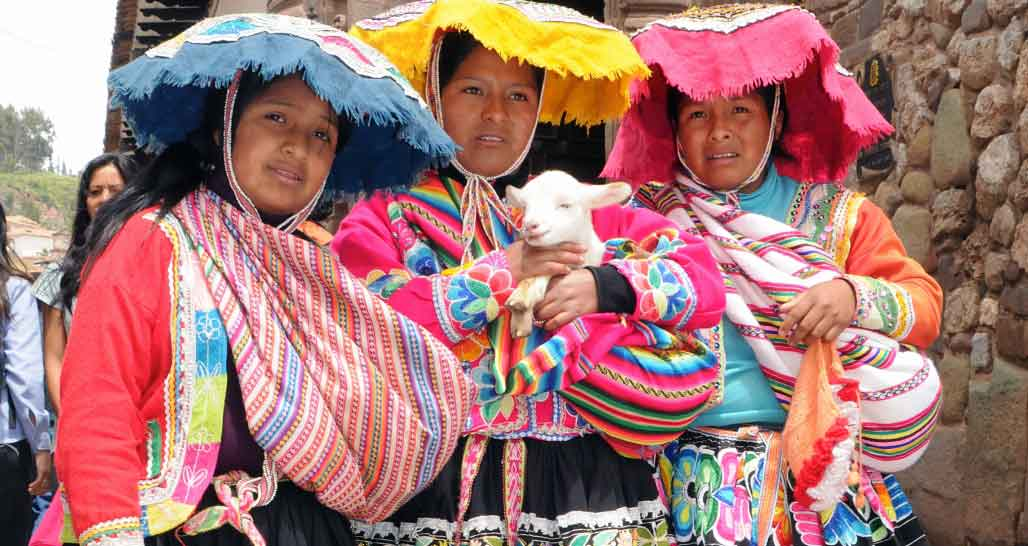 Local ladies, Cusco