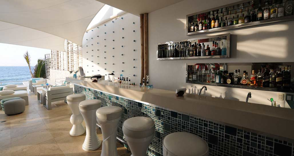 DCO Suites - bar