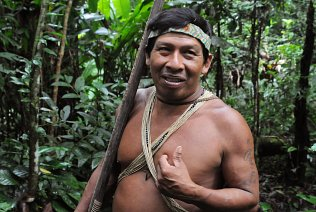 Discover the secrets of the Amazon rain forest through the eyes of the Huaorani people.