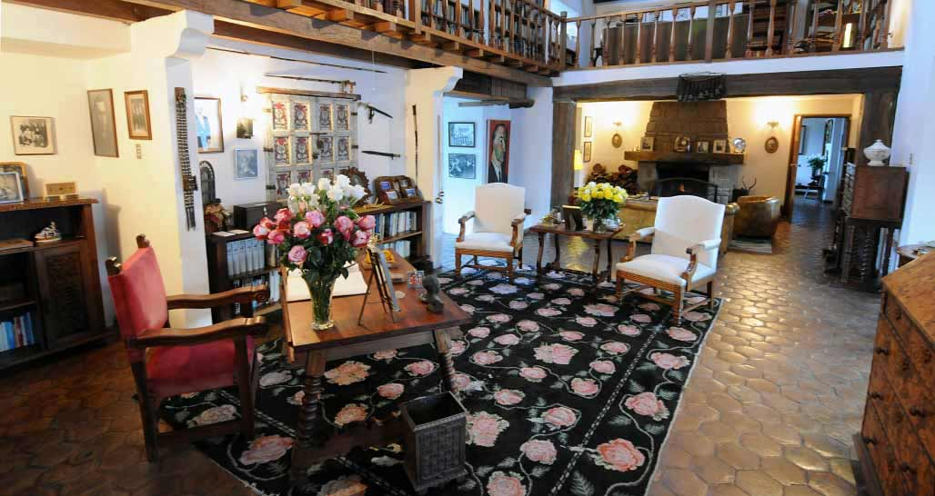 Hacienda Zuleta - the library, ground floor