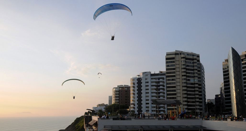 Paragliding in Miraflores, Lima