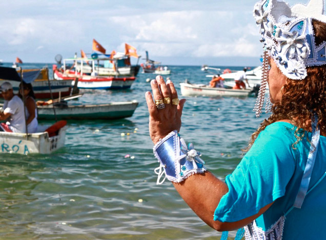 Devotees celebrate iemanjá day at the beach