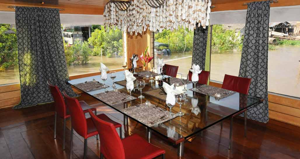 Delfin 1 - dining room