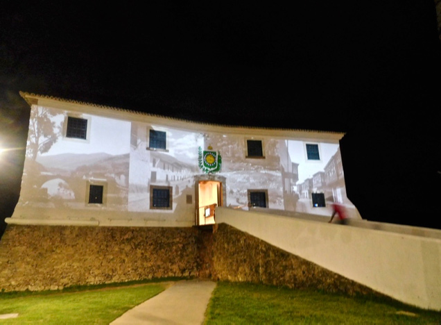 Santa Maria Fort at night