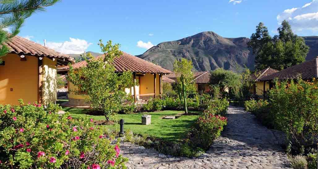 Sol y Luna, Sacred Valley