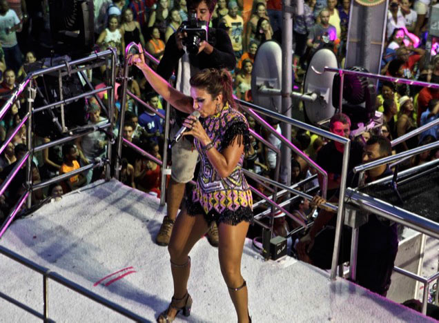 Ivete Sangalo in Salvador during a Salvador Carnival